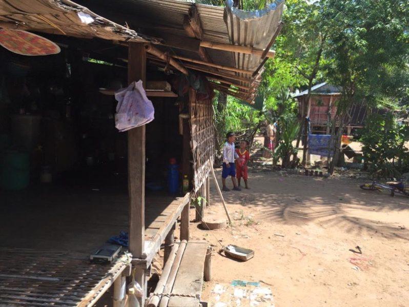 電波の届かない村での暮らしの様子