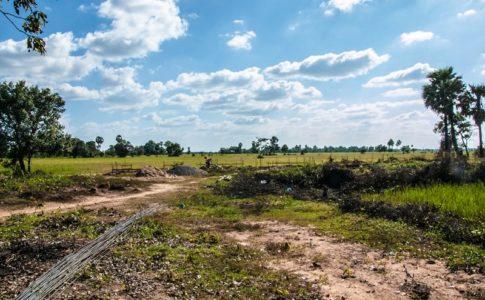 カンボジア小学校建設地8日目の様子