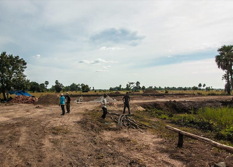 カンボジアの学校建設地24日目