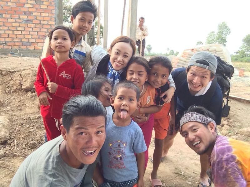 参加者と子供たち