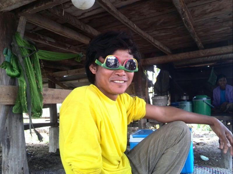 目の色変わったカンボジア人
