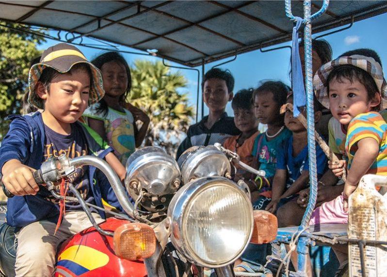 日本とカンボジアの子供達