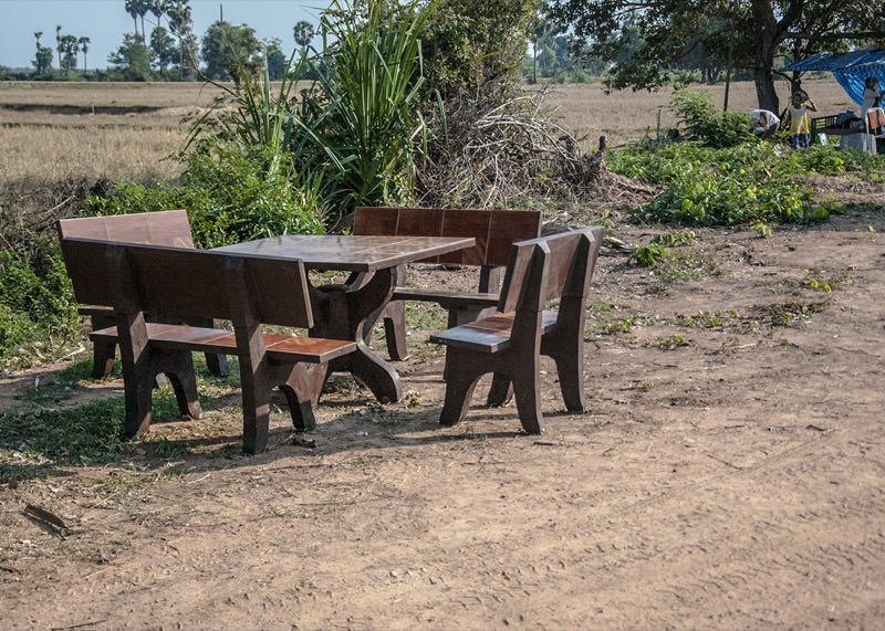 修一贈呈の机椅子2