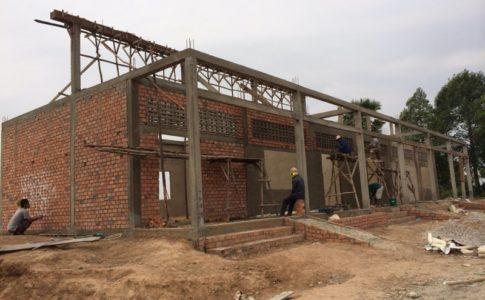 建設中の学校