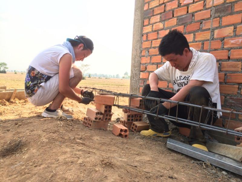 鉄筋を組む仕事