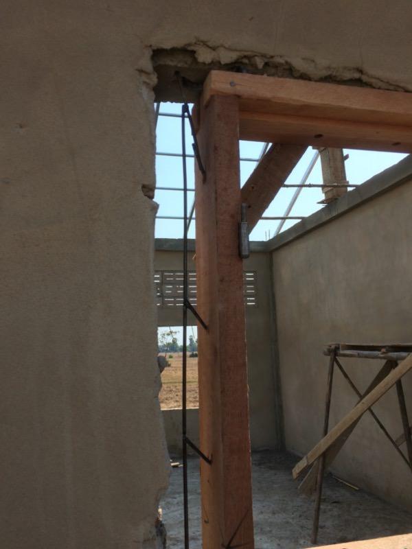 窓枠の設置