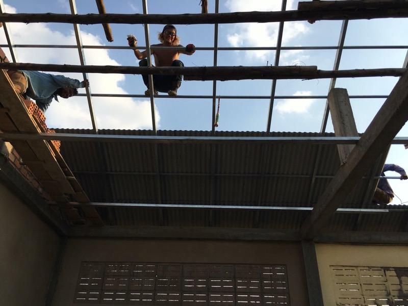 屋根の作業
