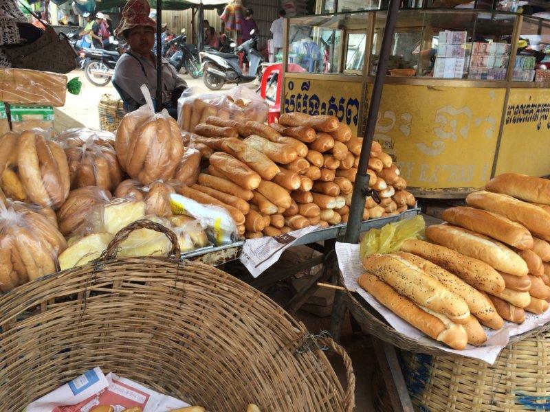 大量のパンの写真