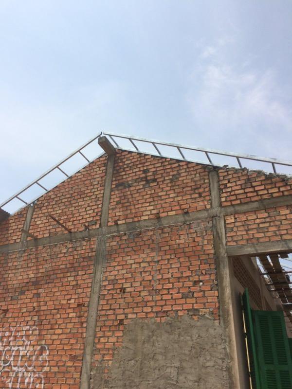 レンガの埋まった壁