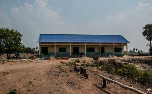 カンボジアの学校建設地完成の日