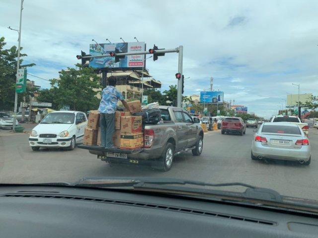 カンボジアの道路