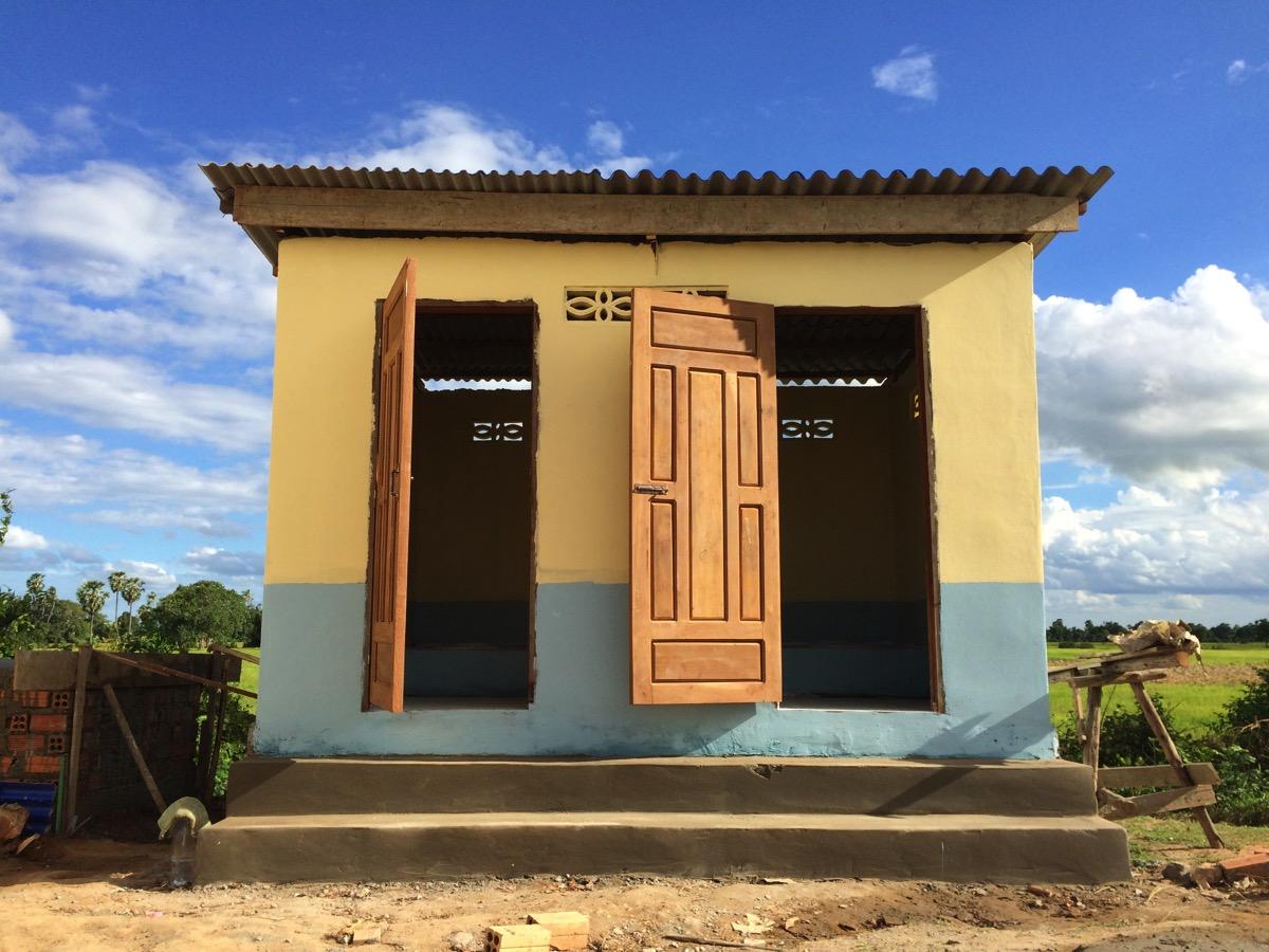 カンボジアに建設した小学校にトイレを併設するといくらかかるのか【作業内容と総額費用】