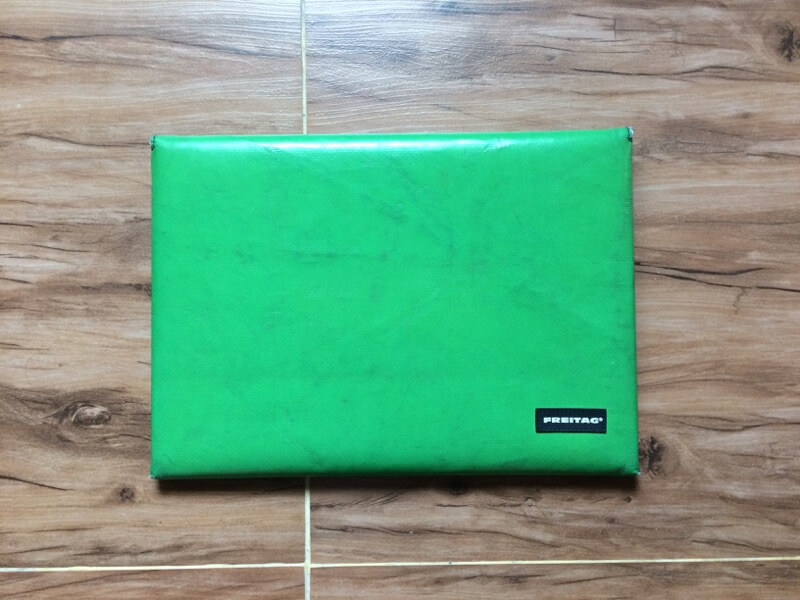 FREITAGのSLEEVE FOR MACBOOK