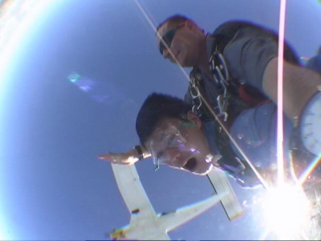 グアムのスカイダイビング