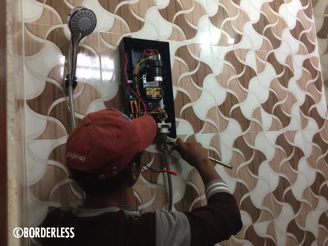 カンボジアの自宅にホットシャワー用の給湯器を取り付けてみた【方法も】