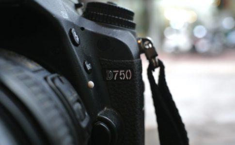 初心者にもおすすめの軽量一眼レフカメラ