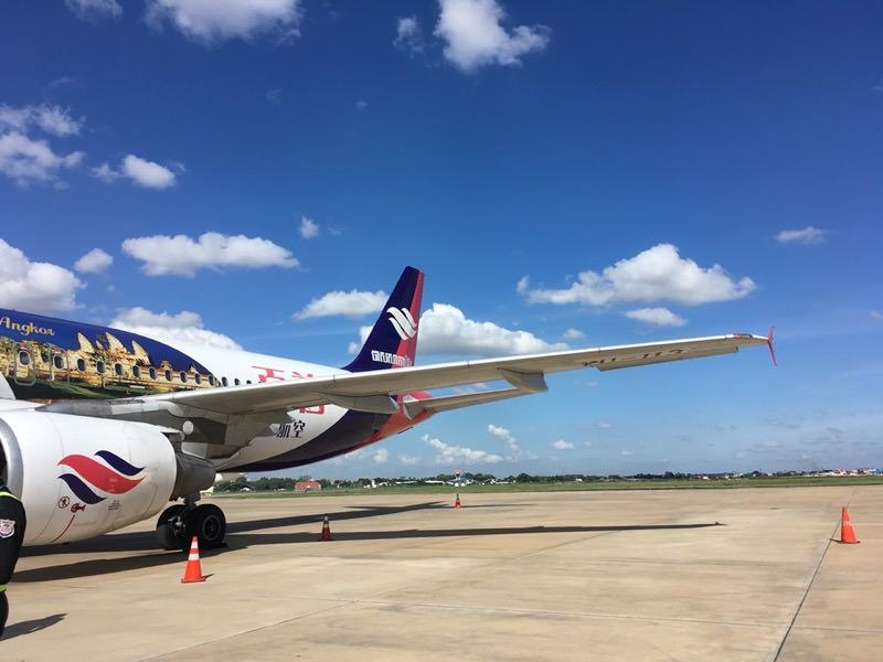 カンボジアの飛行機