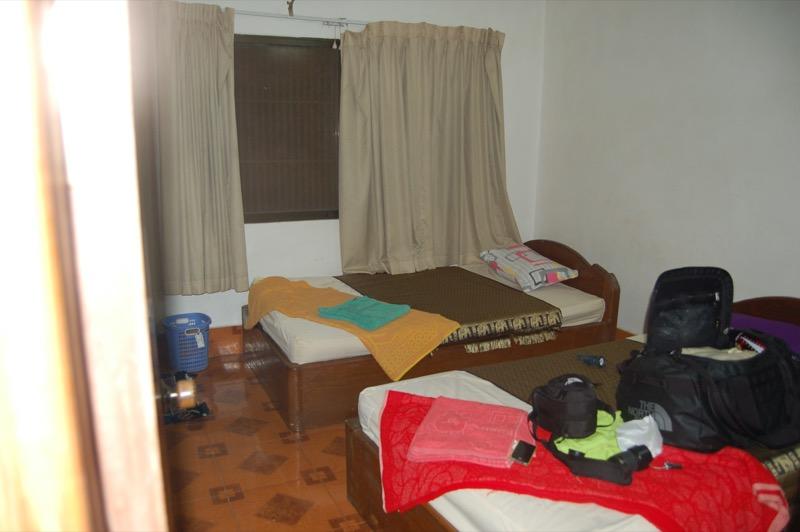カンボジアで初めて泊まったゲストハウスの部屋