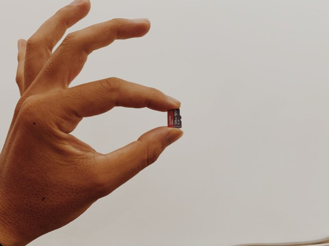 MicroSDカードのサイズ