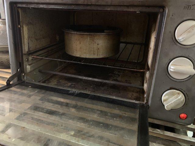オーブンでガトーショコラを焼く