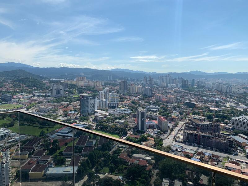 ホテルのスカイプールからの眺め