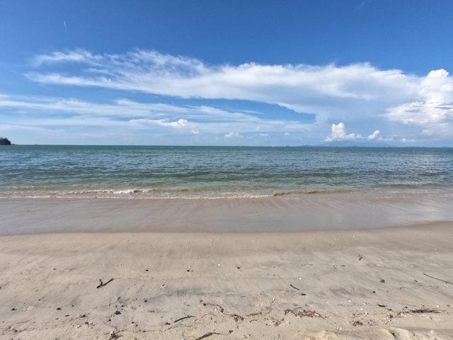 バトゥフェリンギビーチ