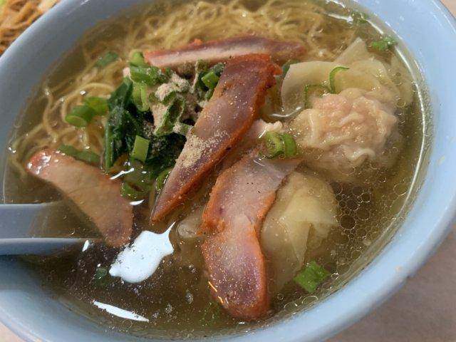 西南茶屋のスープワンタン麺