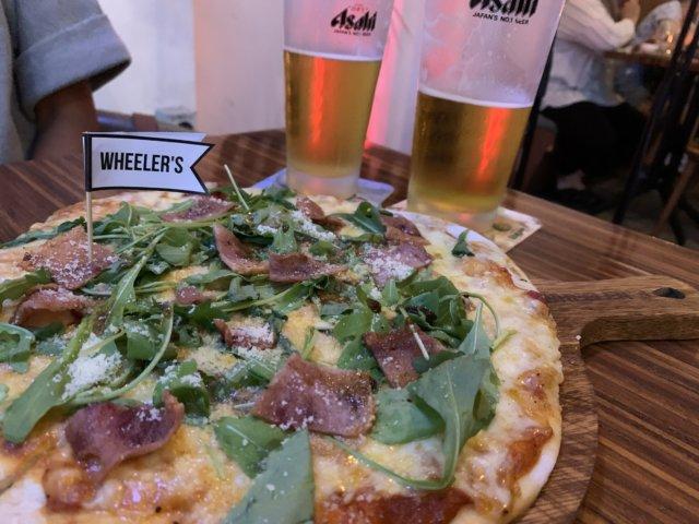 WHEELER'Sのピザとビール