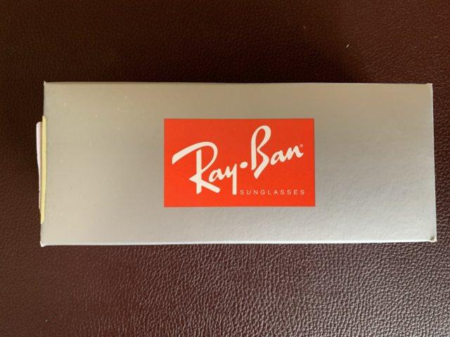RayBanのサングラスの箱