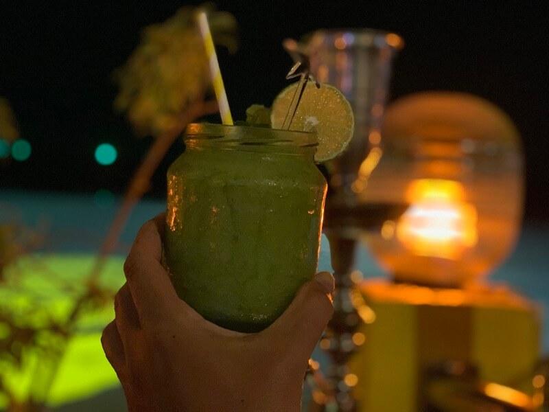 ランカウイのビーチで飲んだお酒