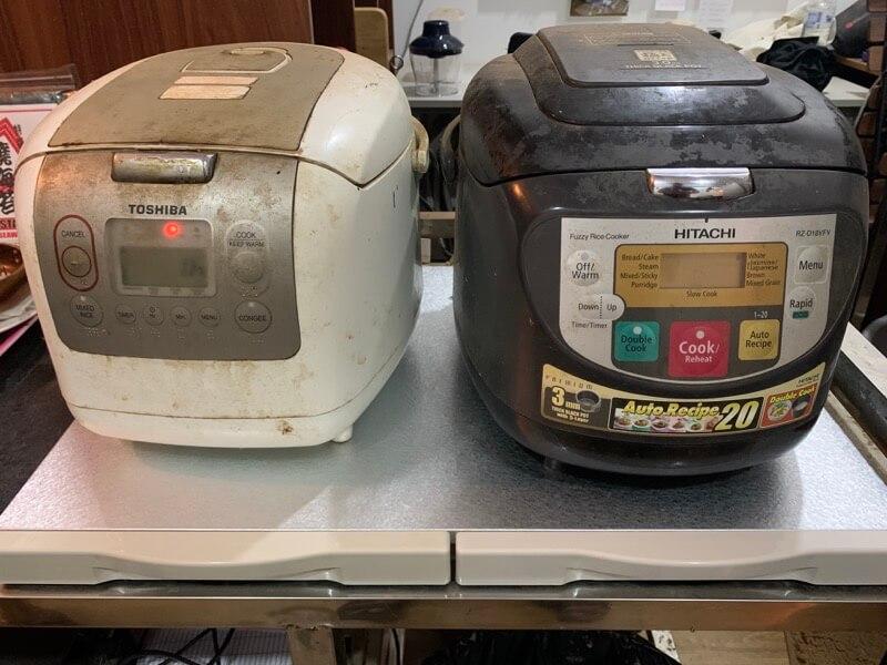 レンジテーブルと炊飯器