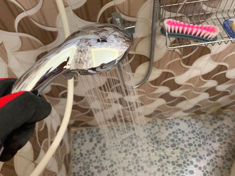 新しいシャワーヘッドの水の出方