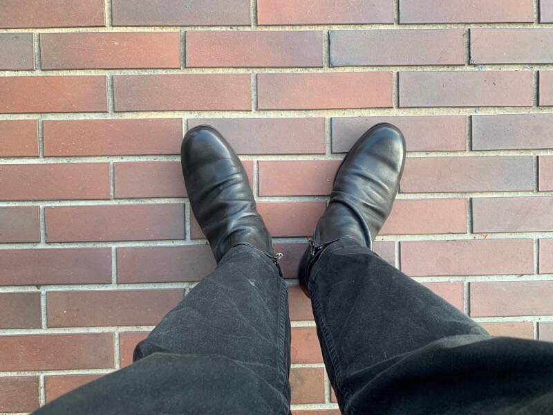パドローネのブーツを履いてみた図