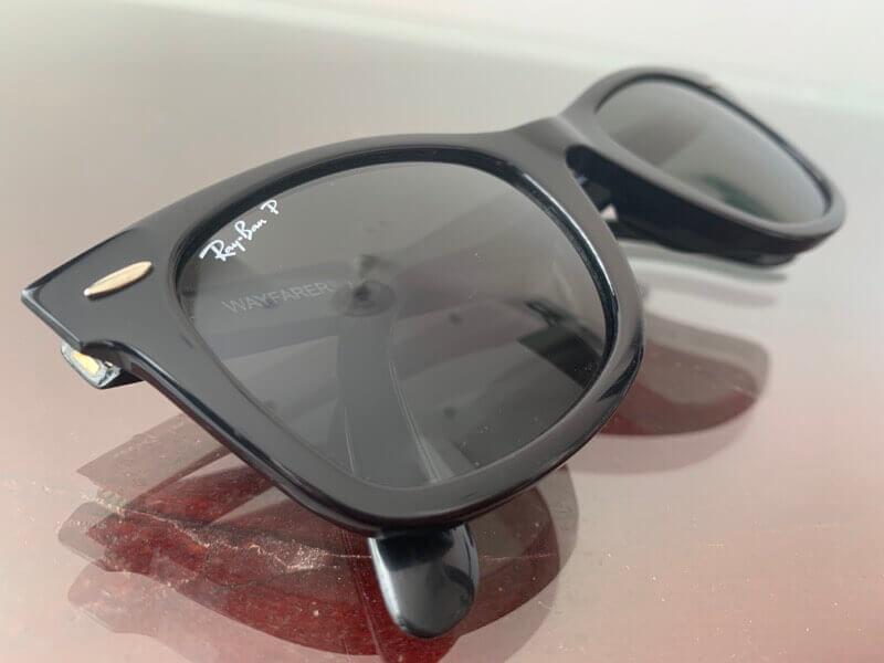 レイバンの偏光レンズのサングラス