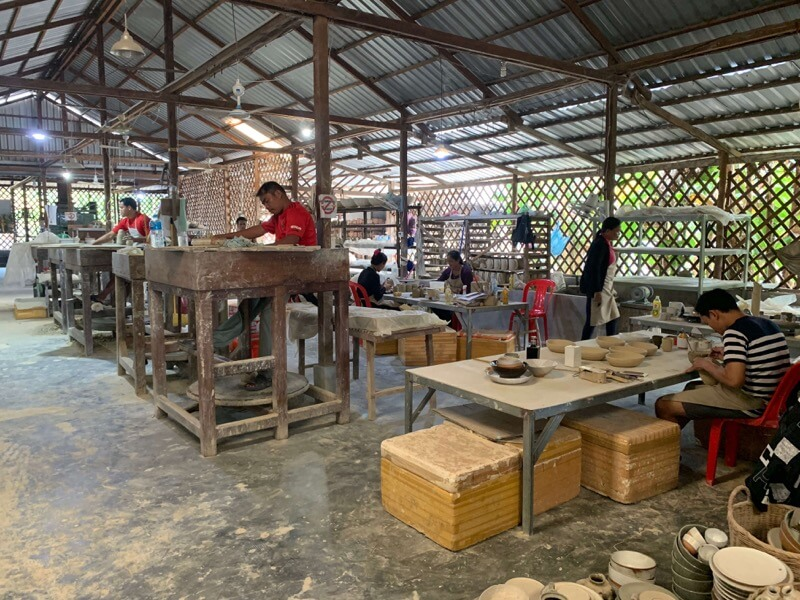 LO YUYUの工房で働く人々