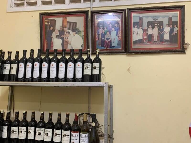 ラッフルズのシェフのお店の奥の写真