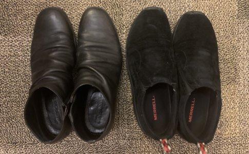 紐のない靴