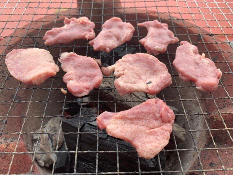 炭火で焼いた牛タン