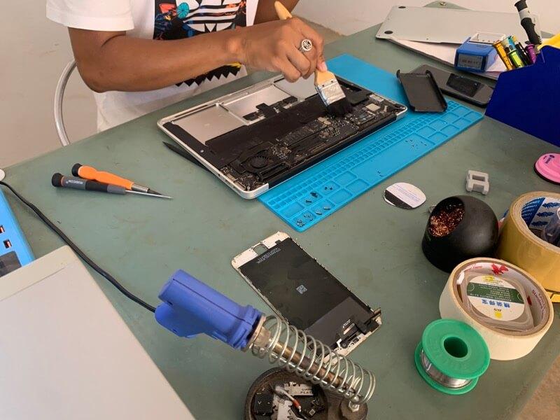 MacBook Airのバッテリー交換3