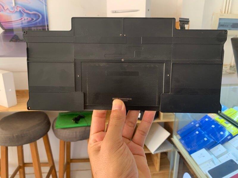 MacBook Airのバッテリー