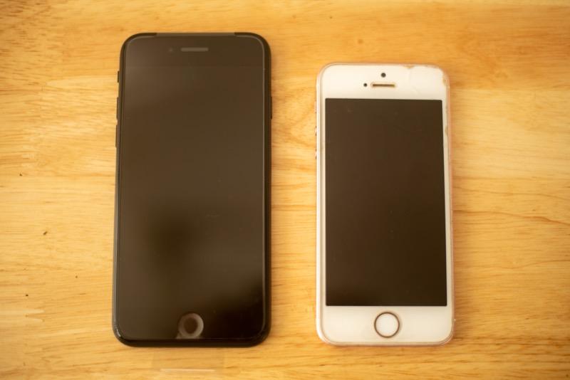 初代iPhoneSEと第2世代の比較