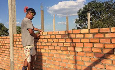 カンボジアの学校建設の様子です