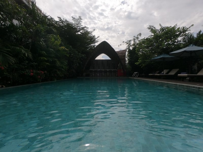 Sabara Angkor Resort & Spaのプール全貌