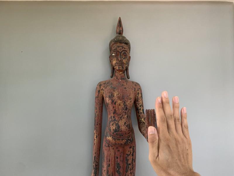 ホテルの仏像