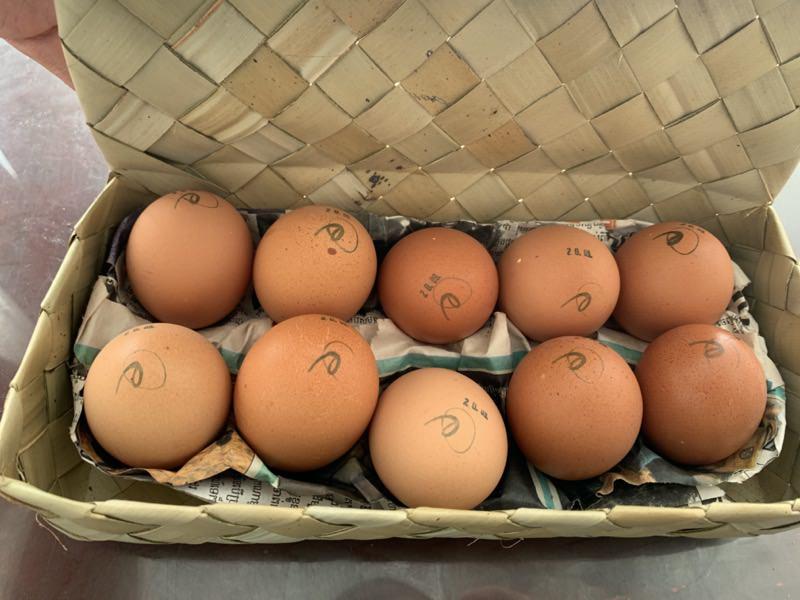 アンコールマーケットの高級卵