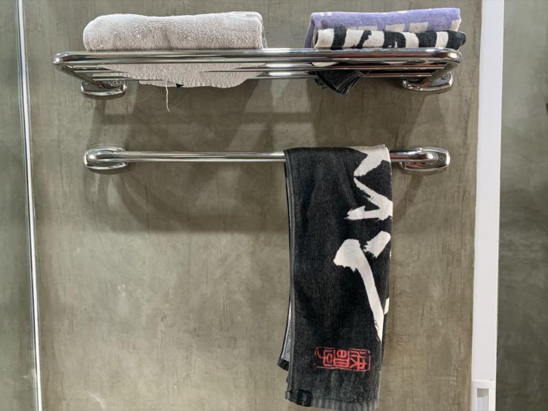 洗面所横のタオルラック