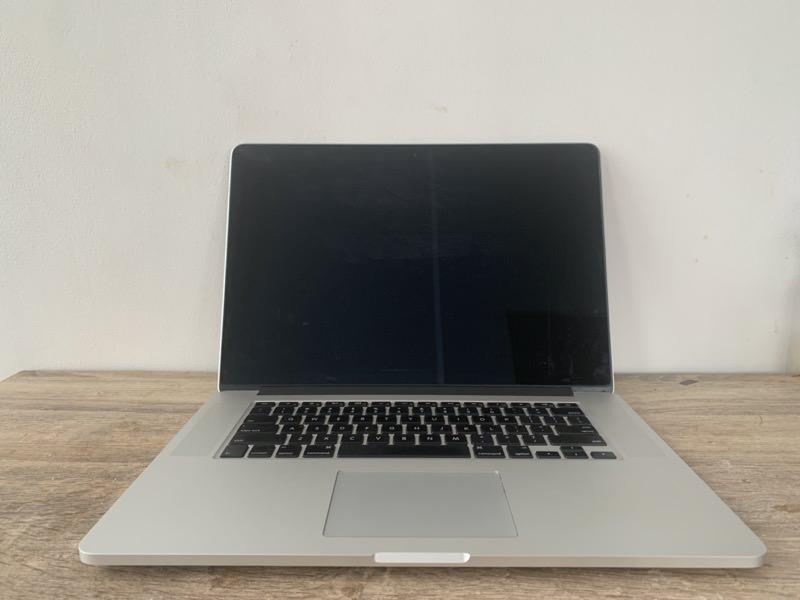 中古で買ったMacBook Pro