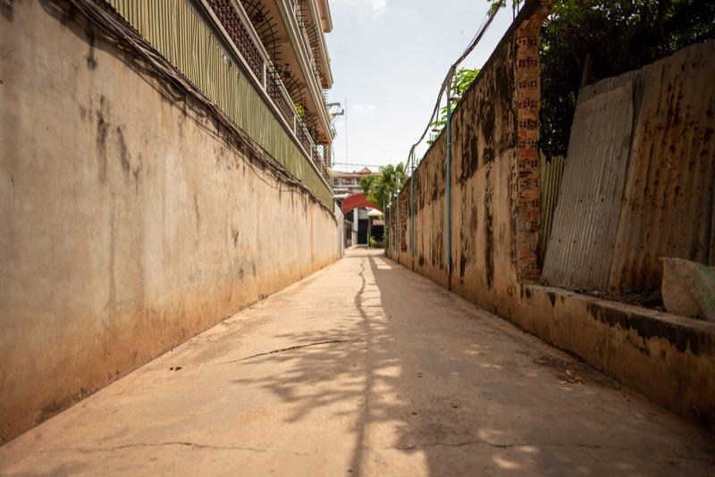 カンボジアの裏通り