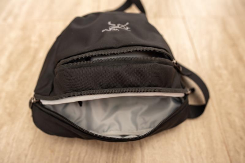 アークテリクスのMAKA2の外ポケット