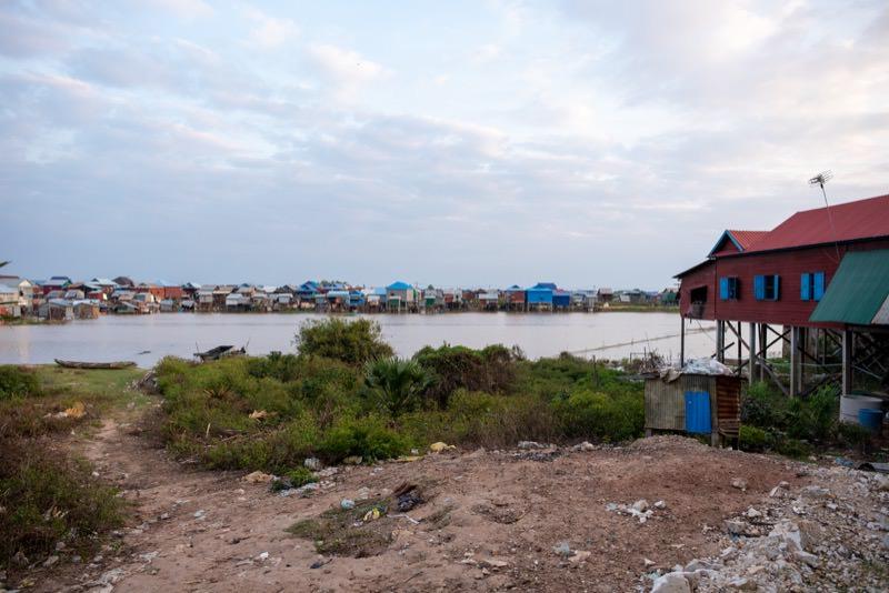 水上生活者の暮らす村